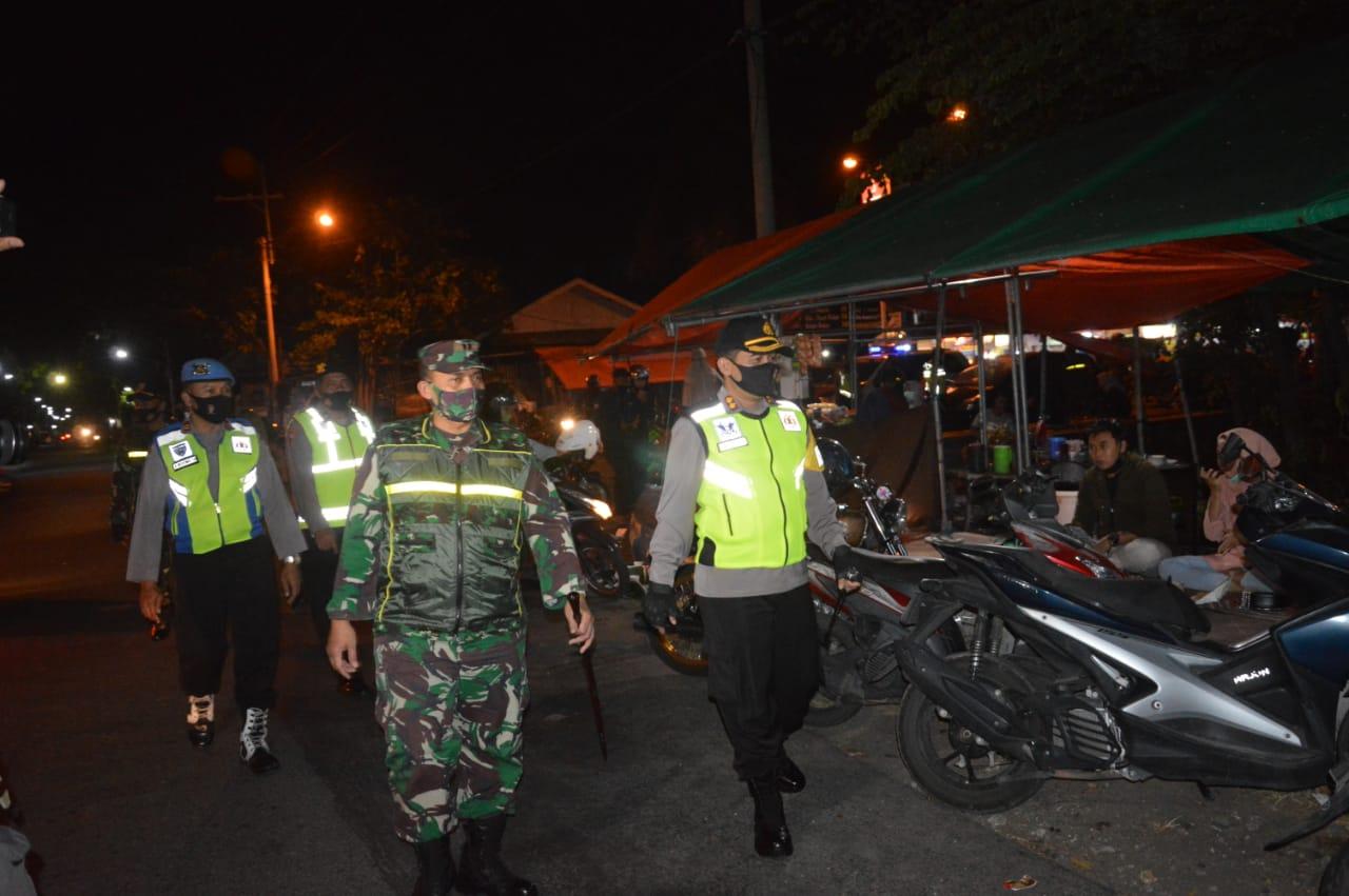 Hilangkan Corona, Kodim 0802/Ponorogo Terus Laksanakan Patroli Gabungan Bersama Polres Ponorogo dan Unsur Terkait