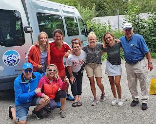 vorne von links: Karl und Beate Koeppelle, hinten von links: Franziska Seemann, Sabine Krempl, Daniela Ebner, Maresa Fischer, Veronika Maier und Abteilungs-Vorsitzender Jochem Rollar.
