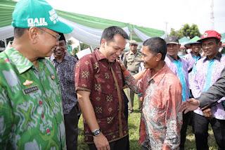 Permalink ke Hadiri Rembug Tani, Gubernur Ridho Ajak Petani Tingkatkan Kapasitas
