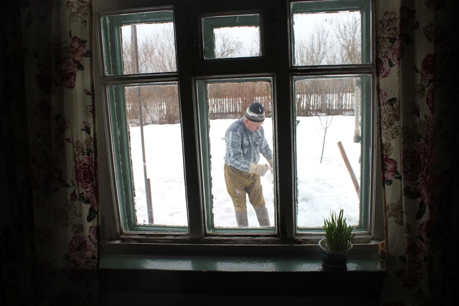 люблю раздеваться в окне