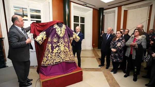La túnica del Señor de las Tres Caídas de Huelva