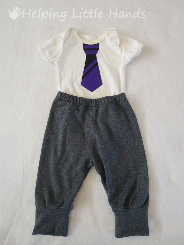 46954082063f (You can click here for the template to make your own Tiny Guy Tie Onesie.)