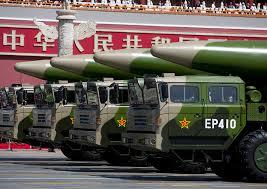 Perlombaan Penggunaan Senjata Nuklir pada Masa Perang Dingin