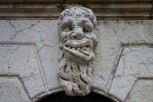 """Spojení ďábla a hlavy s názvem """"bolest zubů"""", Benátky, kam v Benátkách, zajímavosti v Benátkách, Santa Maria Formosa,"""