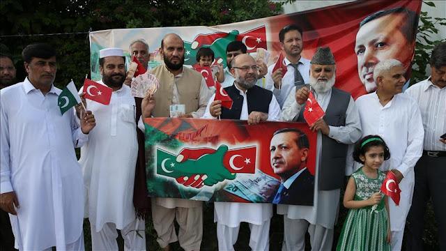 Solidaritas Turki, Warga Pakistan Ramai-Ramai Beli Lira
