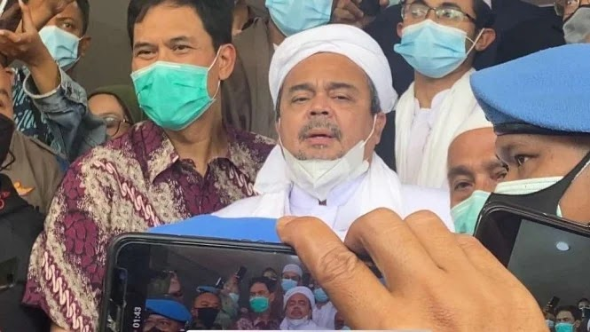 Habib Rizieq Tersangka 3 Kasus Berbeda, Munarman: Ugal-ugalan Banget Mereka Ini!