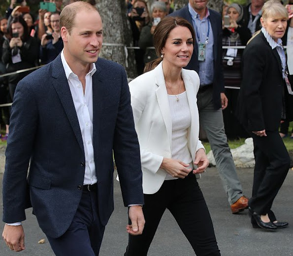 Kate Middleton wore ZARA jacket and jeans and H&M top and new shoes J. Crew avery heels