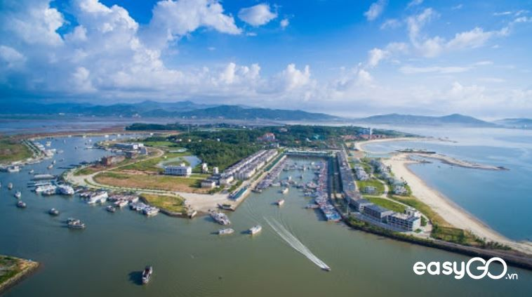Du lịch biển Quảng Ninh