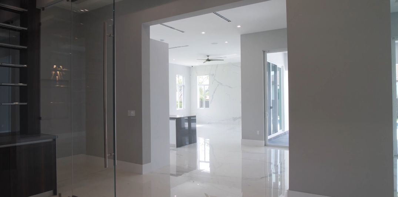 33 Photos vs. Tour 10250 SW 135th St, Miami, FL Luxury Home