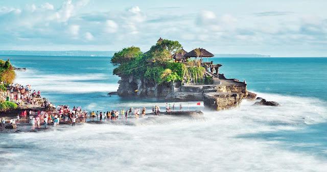 10 Pantai Paling indah Di Bali dan Terbaik Untuk Disinggahi