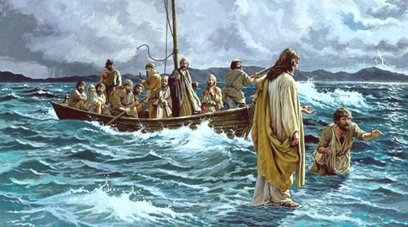 Jesus anda por sobre as águas e vai de encontro aos discípulos no barco