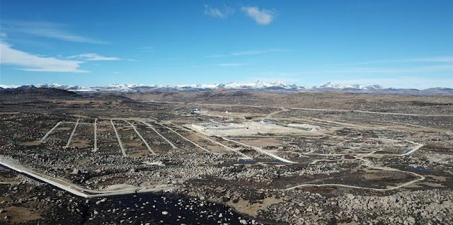 Aerial photo taken on Nov. 17, 2017 shows the construction site of the Large High Altitude Air Shower Observatory (LHAASO), in southwest China's Sichuan Province. Credit: Xinhua/Jin Liwang