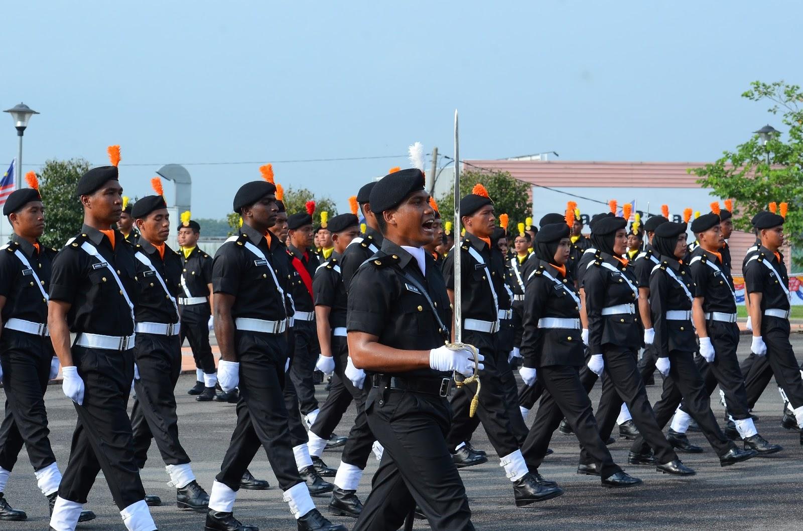 Helang puteh 109 pegawai baru sprm tamat latihan for Uniform spa malaysia