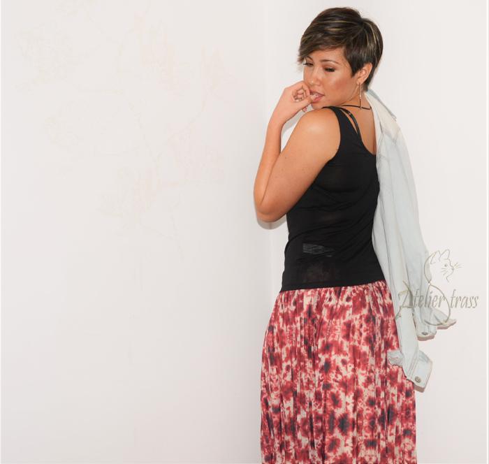falda plisada rosa