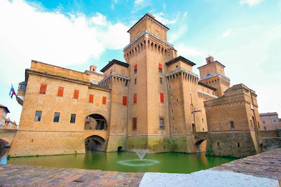 Ferrara, Province of Ferrara, Italy © - I TRAVEL in ITALY .COM | A story leaked from the photo by [ Recommended by travelers to Italy ]