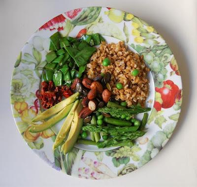 Assiette asperges-pois-épeautre