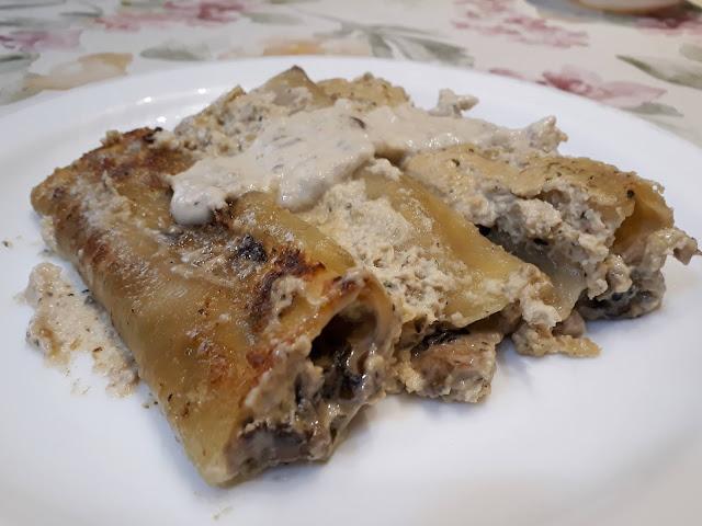 Cannelloni ripieni di funghi e formaggio