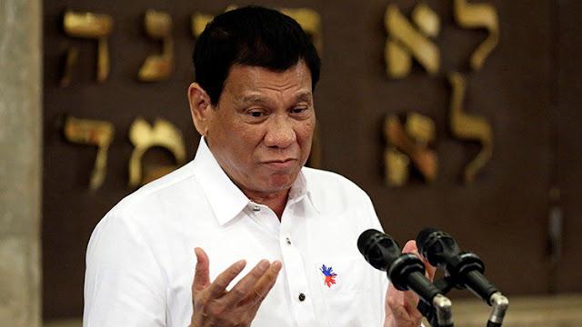 """El aviso de Dios al líder filipino: """"Ni una palabrota más, o este avión caerá"""""""