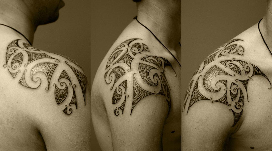 maori tattoo new zealand maori kirituhi custom shoulder tattoo design 10