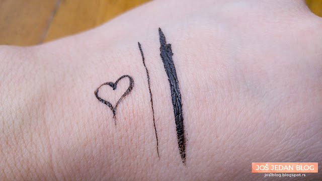 Essence Easy 2 Use Eyeliner Pen swatch review recenzija