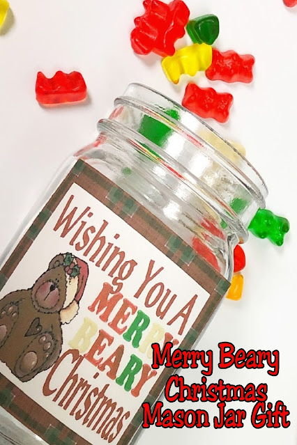 Wish all your friends, family, and coworkers a Merry Bear Christmas with this yummy mason jar gift.  This  Christmas gift idea is the perfect gift to make since it's fun, yummy, sweet, and easy to make.  Save this idea now to make this Christmas so your December will be so much easier.