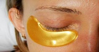 Золотая маска для кожи вокруг глаз