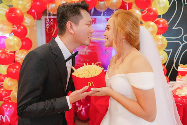#McWedding: Filipino Couple Ties the Knot at McDonald's Amid Pandemic