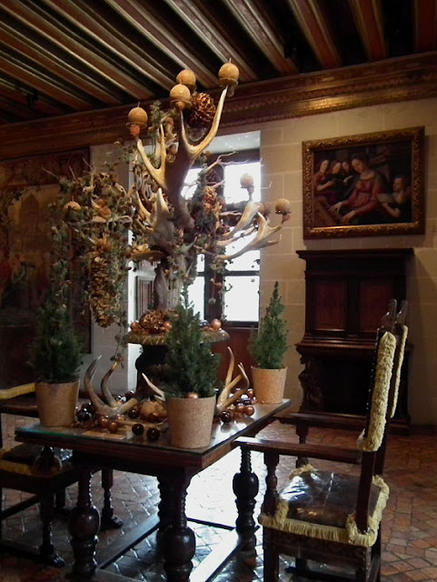 Christmas table decoration at the Chateau of Chenonceau, 2019.  Indre et Loire, France. Photographed by Susan Walter. Tour the Loire Valley with a classic car and a private guide.