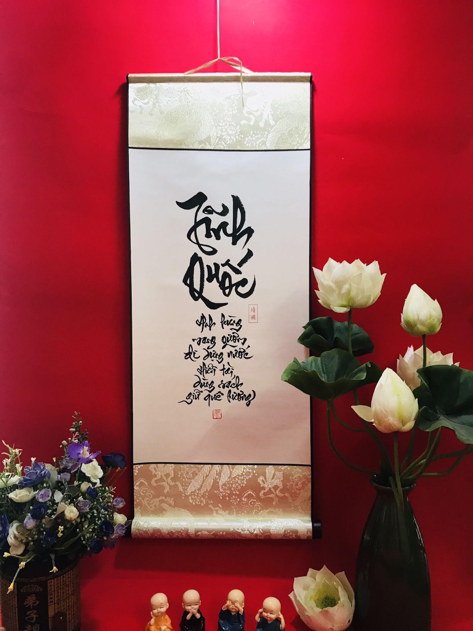 Viết thư pháp tại Tuyên Quang