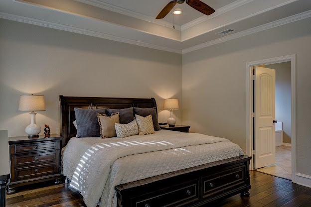 Things You Should Know Before Buying An Antique Bed