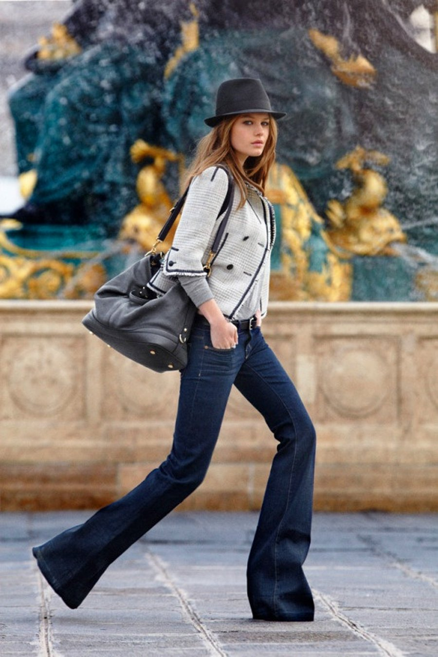9 Ultra-Cool Ways to Wear Flared Jeans – Fedora, Grey Jacket, Street Style