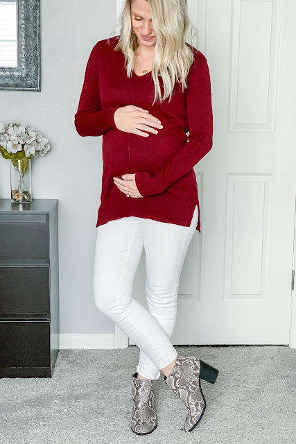 Winter outfit with white jeans and snakeskin booties