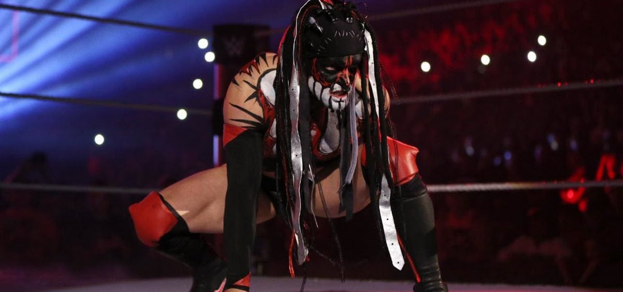 """""""Demon"""" Finn Bálor é vítima de ataque misterioso no WWE Extreme Rules"""