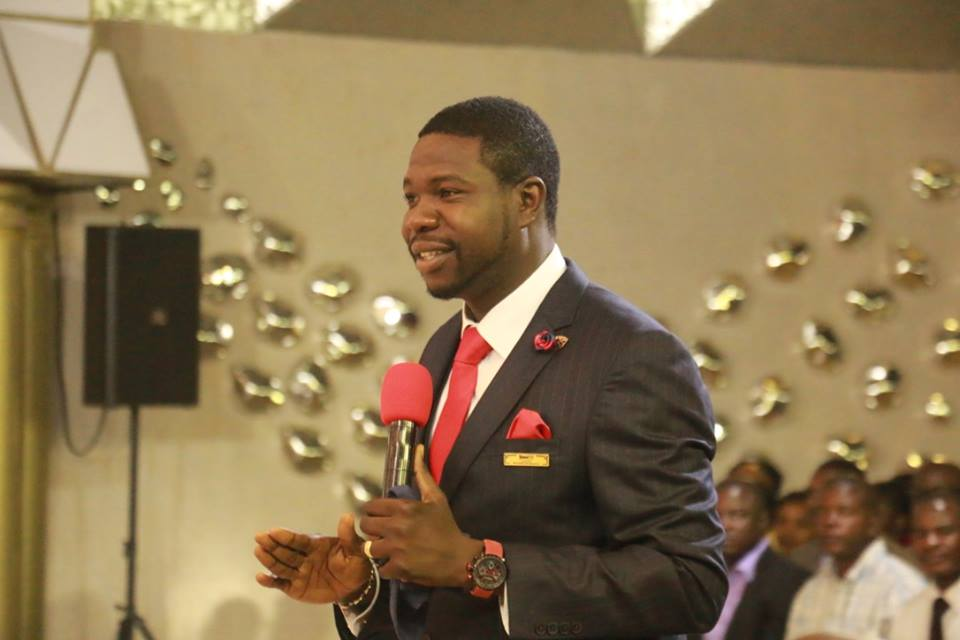 Drama As Churchgoers Demand Their Money Back From Prophet Walter Magaya