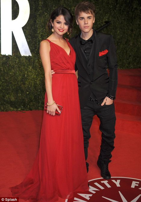 Selena Has The Best Smile In The World Justin Bieber Gushes Over