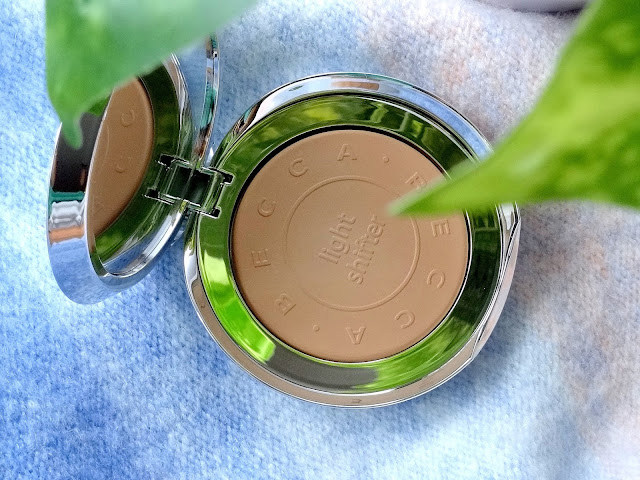 Becca Light Shifter Finishing Veil Setting Powder In Star Hugger 3  Review, Photos, Swatches