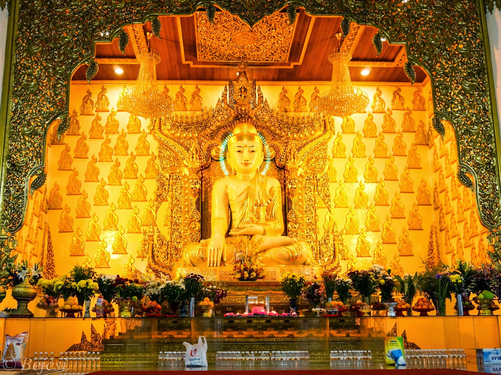 Buddha images and their meaning postures and mudras adventures and here comes my favorite to introduce the abhaya mudra the symbol of peace and no fear tian tan big buddha in hong kong on lantau island buycottarizona