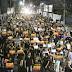 Em protesto, policiais civis em greve pedem saída de delegado geral
