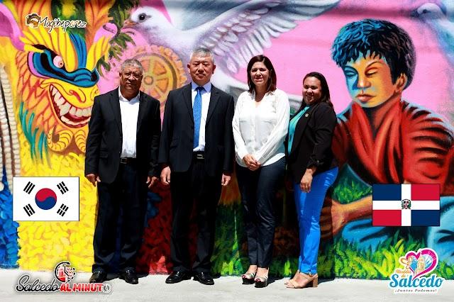 El Embajador Byung-yun Kim, de la hermana República de Corea en la Rep. Dom. visitó éste lunes 2 al municipio Salcedo y fue recibido por su alcaldesa María Mercedes Ortiz
