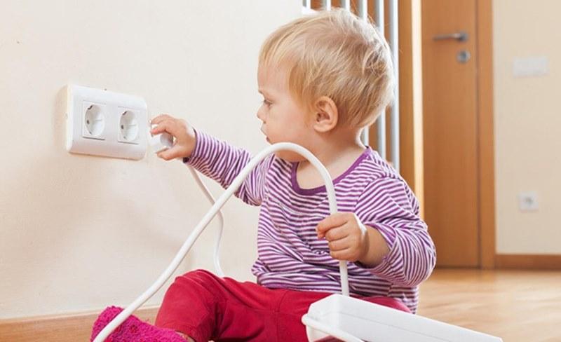 Çocuğunuzu ev kazalarından korumak için 15 kural