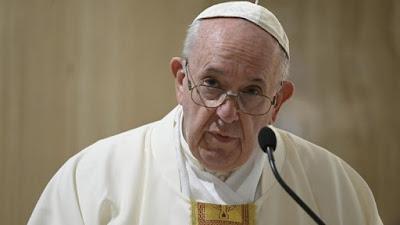 Papa Francisco afirma que coronavírus não é desculpa para explorar trabalhadores