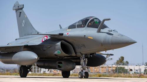 राफेल विमान की खासियत जानकर आपके होश उड़ जाएंगे, दुश्मन के लिए काल है यह लड़ाकू विमान