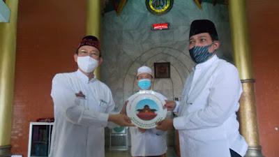 Machfud Jumatan di Masjid Cheng Hoo