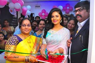 Sreemukhi Launches Manvis Saloon  0071.jpg