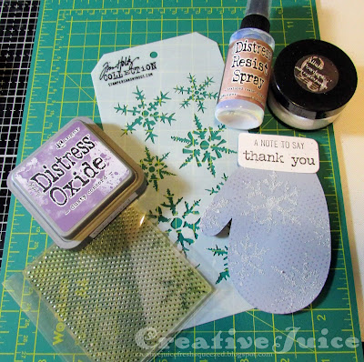 Lisa Hoel for Eileen Hull - Christmas thank you cards made using the Sizzix Mitten Die #eileenhull #mymakingstory #sizzix #ehinspirationteam