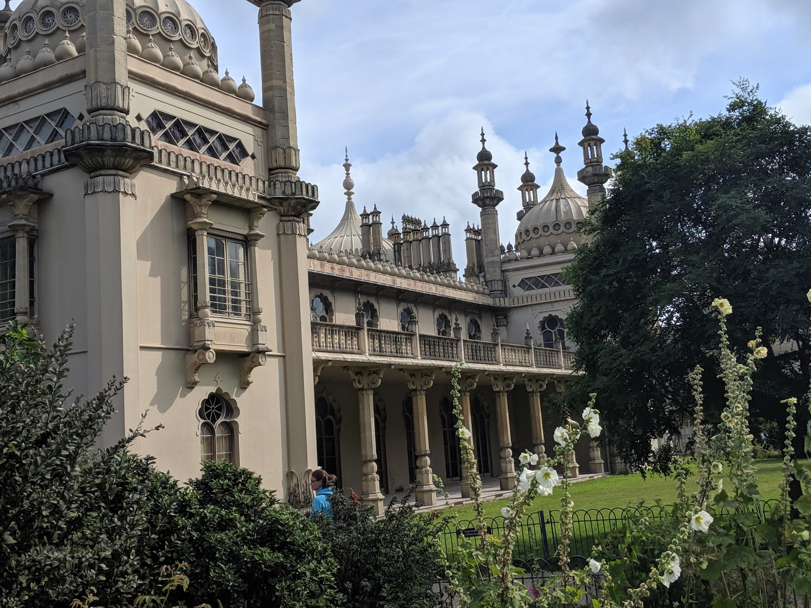 11 Top Tips for Visiting Brighton with Kids  - Brighton Pavillion Picnic
