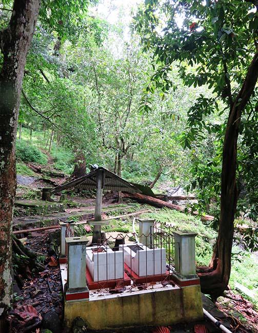 Petilasan/Pemakaman Mbah Gatho & Mbok Lejar