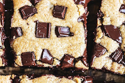 Best Peanut Butter Chocolate Chunk Bars