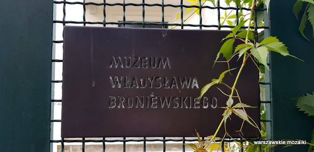 tablica Warszawa Warsaw willa architektura muzea Mokotów pisarz poeta