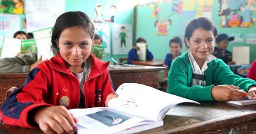 MINEDU: Ministro Alfaro supervisa en Cajamarca llegada de textos en castellano, quechua y awajún - www.minedu.gob.pe